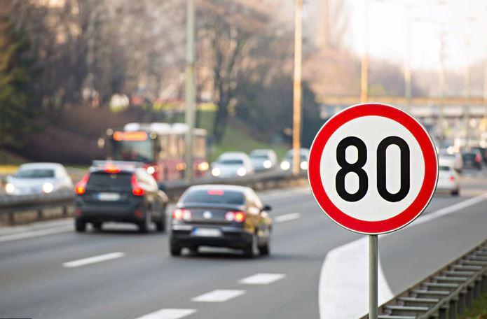 Limite massimo di velocità – Autostrade, strade extraurbane principali e secondarie – Neopatentati